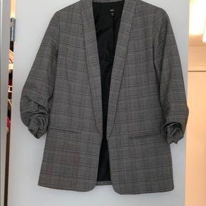Checkered blazer trendy